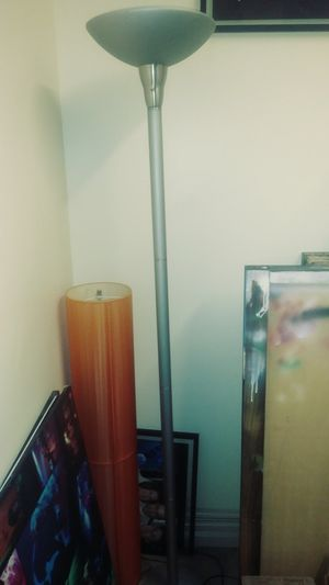 UPRIGHT LAMP AND FLOOR COZY LAMP for Sale in Oakland Park, FL