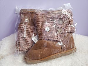 NIB Brown Muk Luk Style Boots Size 9 for Sale in Rushsylvania, OH