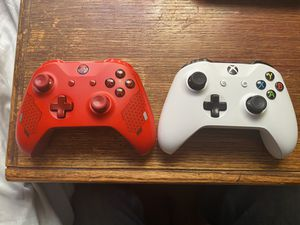 Xbox one controllers for Sale in Winters, TX