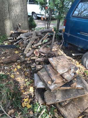 FIREWOOD. FREE. AGED. /DRY. QUEENS. 11361 for Sale in Queens, NY