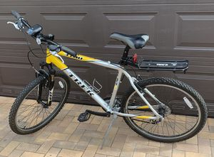 "Trek 3700 ALPHA MOUNTAIN BIKE YELLOW/SILVER 19,5"" frame for Sale in Lauderdale Lakes, FL"