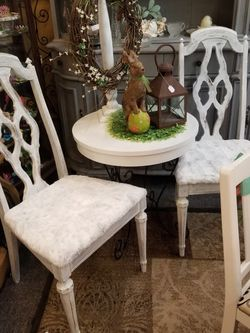 Two Chairs & Table Set 75.00 for Sale in Clovis,  CA