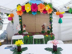 Paper flowers / Flores de papel for Sale in DEVORE HGHTS, CA