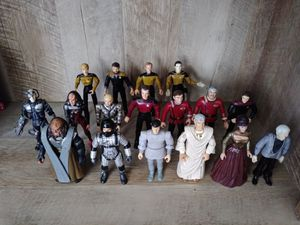 """1994 Playmates """"STAR-TREK"""" 17 Action Figures for Sale in Wheaton, IL"""