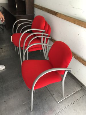 Office chairs and desk for Sale in Diamond Bar, CA