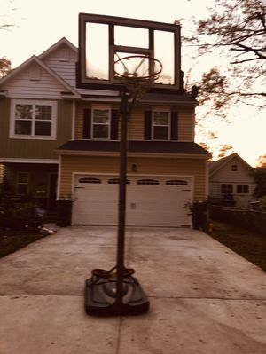 I have basketball hoop in good condition for Sale in Norfolk, VA