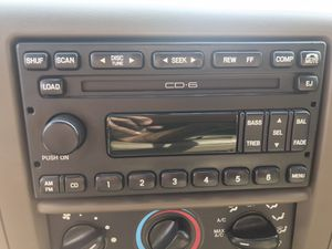 FORD F-250 Stereo/ with 6 Disc CD player for Sale in Burleson, TX