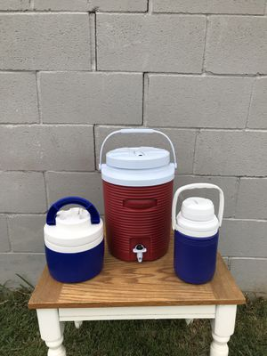 Rubbermaid cooler's for Sale in Whittier, CA