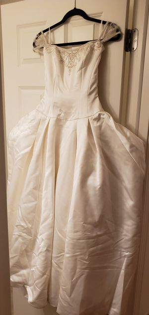 Princess Wedding Dress for Sale in Wood Dale, IL