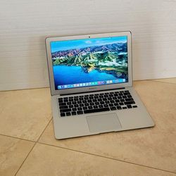 Apple MacBook Air (13-inch , Early 2015) Mac OS Big Sur,Intel Core i5 CPU 1.6 GHZ, 8GB Memory, 250GB SSD/Flash- Great Condition ! for Sale in San Diego,  CA