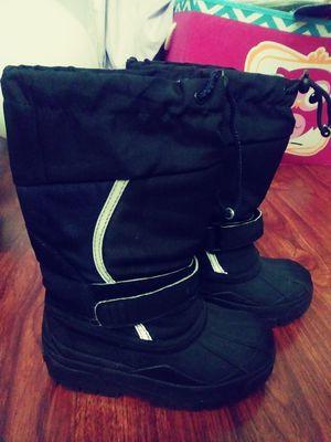 L.L. Bean kids snow boots size 12 for Sale in Bassett, CA