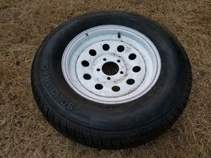 White wheel and tire for trailer 205 75 15 for Sale in Tacoma, WA