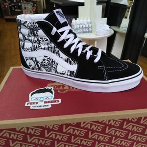 VANS SK8 HI LIMITED EDITION  SKULLS SIZE 11.5 US MEN SHOES NEW WITH BOX $135 for Sale in Cleveland, OH