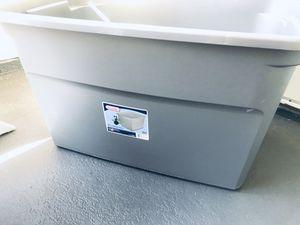 30 Gal gallon Sterilite bin box container storage / no lid for Sale in San Diego, CA