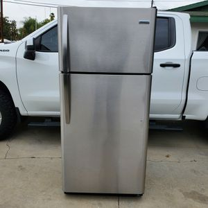 18.3 Cu Ft. Frigidaire Stainless Steel Top Freezer 2020 Model# FFTR1821TS0 for Sale in La Habra, CA