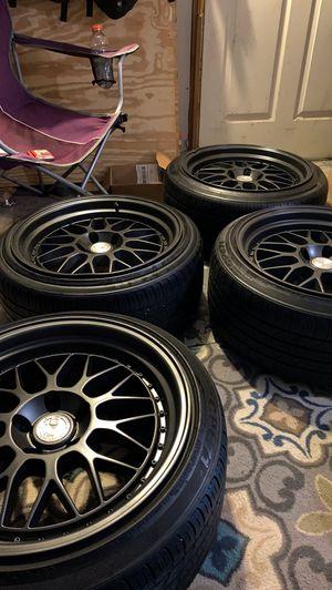 Aodhan AH02 18x9.5 rims(slightly bent) w tires for Sale in Bloomingdale, NJ