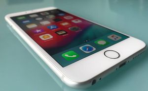 IPHONE 6 PLUS 16GB UNLOCKED WHITE SILVER for Sale in Miami Beach, FL