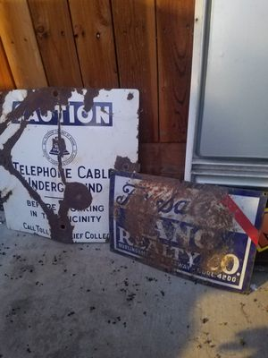 PORCELAIN SIGN AND PENNZOIL CAN for Sale in Stockton, CA