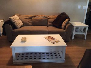 White distressed Coffee Table w/drawers SOLID w/ two end tables. for Sale in Tacoma, WA