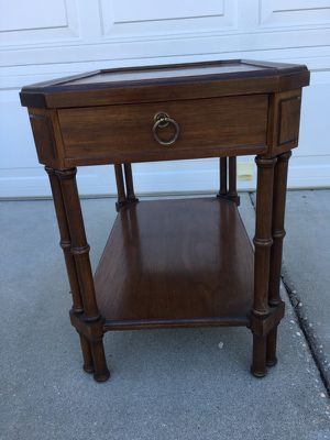 Brandt of Hagerstown Vintage Wood End Table for Sale in Midlothian, VA