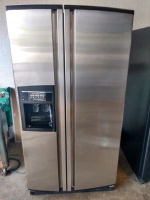 Side-by-side stainless steel refrigerator for Sale in Boca Raton, FL