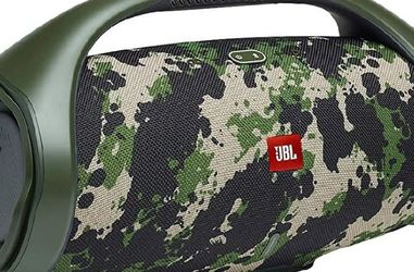 JBL Boombox 2. Available Camouflage only. It has bluetooth, powerbank, waterproof, battery last 24 hours. for Sale in Miami,  FL