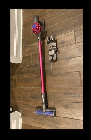 Dyson Cordless V6 for Sale in Cypress, TX