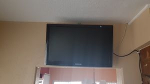 """Samsung tv 22"""" with control like new for Sale in Huntington Park, CA"""