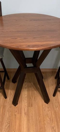 Table And Two Chairs for Sale in Woodinville,  WA