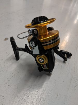 Penn 850 SS Spinning Reel. Very Nice Working Condition. Ready for fishing. for Sale in Miami, FL