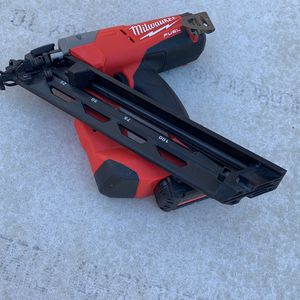 Milwaukee Nail Gun Brushless for Sale in San Diego, CA