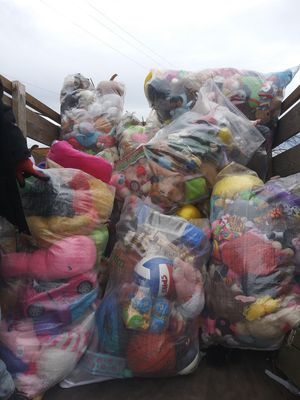 Huge bags of toys teddy bears plush stuffed animals $20 a bag BULK for Sale in Washington, DC