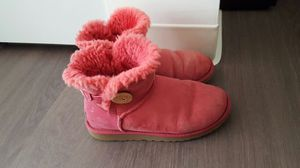 Ugg short boots size 6 for Sale in San Francisco, CA