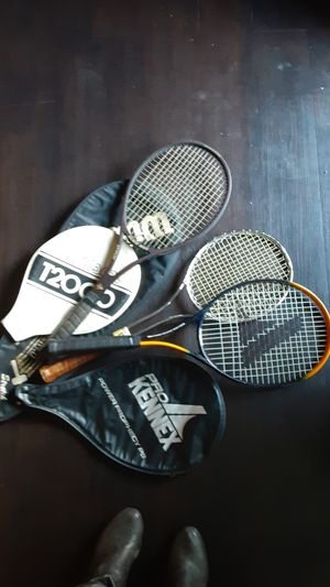 3 tennis rackets with cases for Sale in Las Vegas, NV