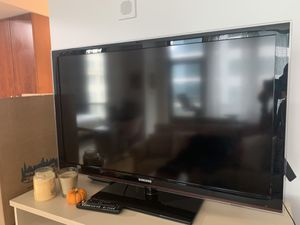 "Samsung 50"" television for Sale in Chicago, IL"