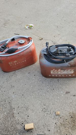 Boat motor gas cans with lines and hookup for Sale in Hudson, OH