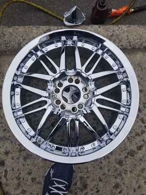 """17 """" Chrome rims 4 sale for Sale in Brooklyn, NY"""