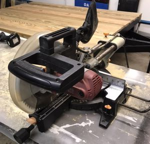 """10"""" Compound Miter Saw . Chicago Electric with 1 extra blade for Sale in Reynoldsburg, OH"""