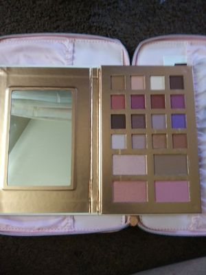 Ulta Beauty pallette for Sale in El Mirage, AZ