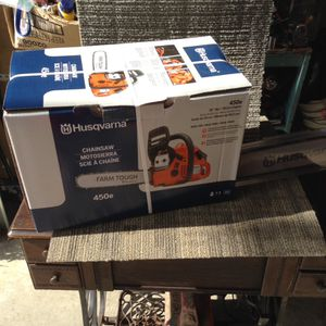 Husqvarna 20 inch bar chainsaw for Sale in Columbus, OH