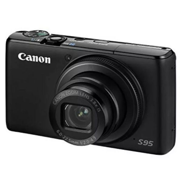 Canon PowerShot S95 10 MP Compact Digital Camera (FREE DELUXE CASE INCLUDED)