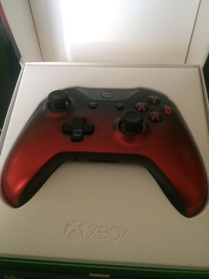 Xbox controller (limited volcano shadow) for Sale in Apache Junction, AZ