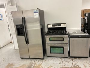 Stainless kitchen appliance package like new for Sale in Longmont, CO