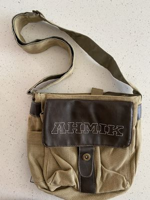 Ahmik Messenger Bag for Sale in Chula Vista, CA