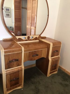 Art Deco Waterfall bedroom set for Sale in Sunriver, OR