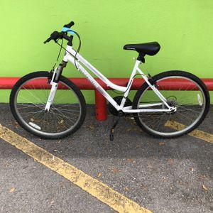 Roadmaster Granite Peak Woman's 18 - Speed All-Terrain Mountain Bike 10012911-1 for Sale in Tampa, FL