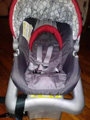 Safety 1st Infant Car Seat And Base for Sale in Orlando, FL