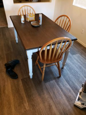 Kitchen table for Sale in Goodyear, AZ
