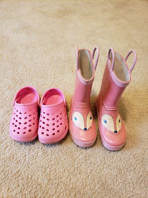 Toddler Size 7/8 rain boots and water shoes for Sale in Frederick, MD