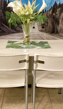 White Table & Chairs for Sale in Philadelphia,  PA